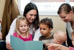 Pre-schoolers reading